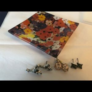 Bundle: 3 post earrings with glass jewelry dish